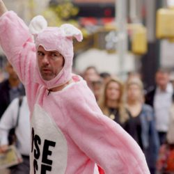 Stefan Sagmeister in seinem Film, the Happy Film